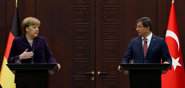 Davutoğlu-Merkel görüşmesinde çeviri skandalı