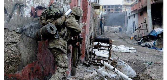 Sarıyıldız: Bir binada mahsur kalan onlarca kişi öldürüldü