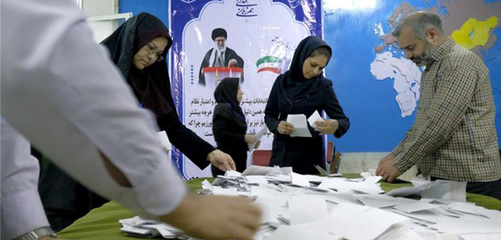 İran Meclisi'ne 2 Ermeni vekil girdi