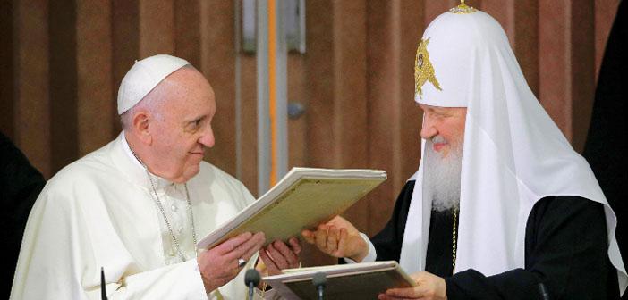 Papa Francis ve Patrik Kirill'den 'diyalog' çağrısı