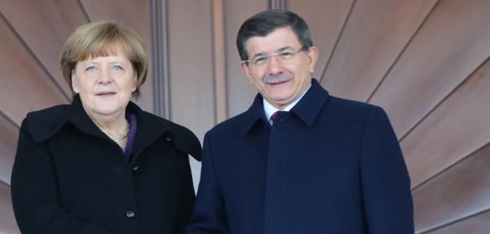 Davutoğlu ile Merkel'in mülteciler için 10 maddesi