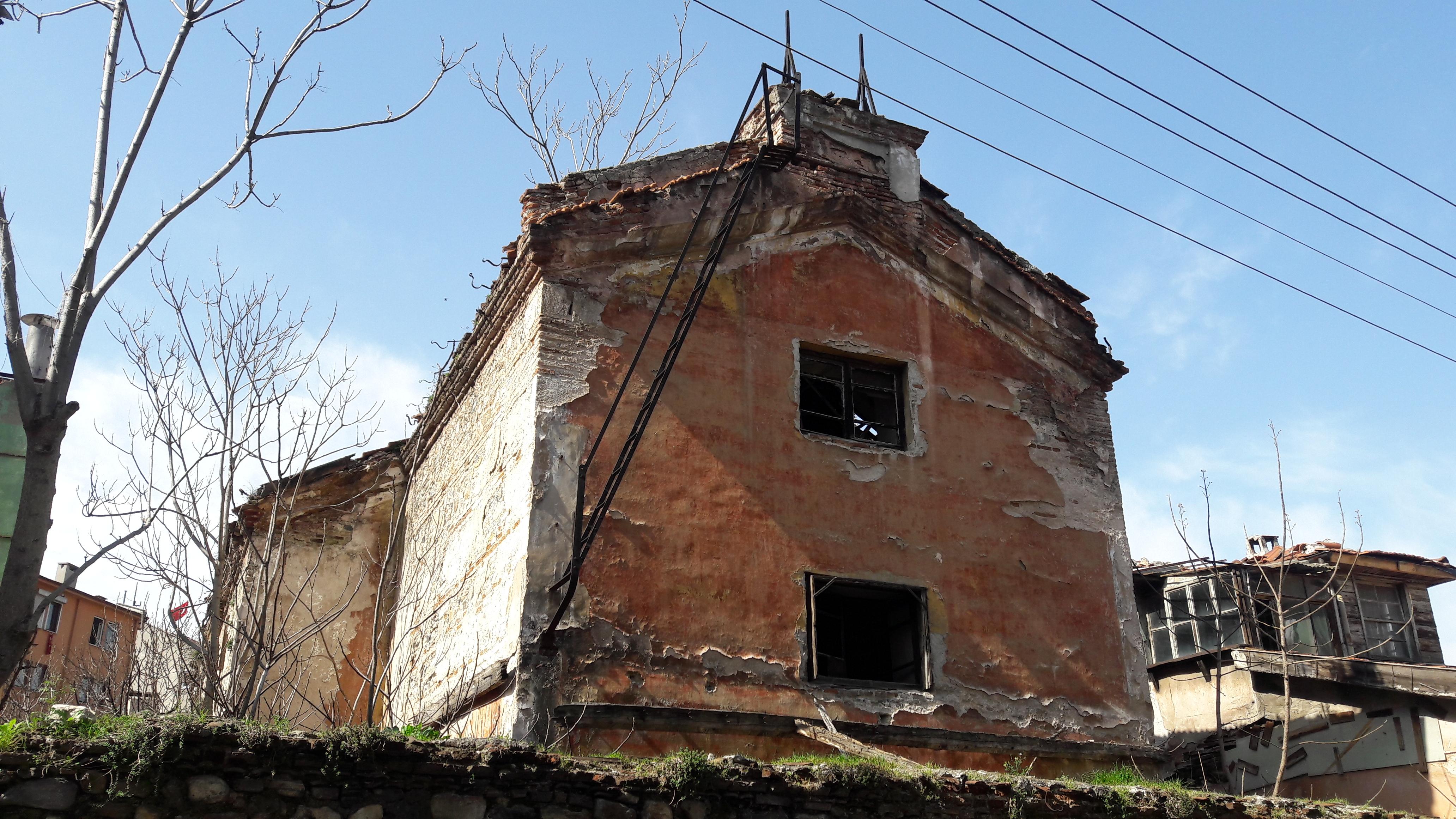 Bursa'daki satılık Ermeni Katolik Kilisesi