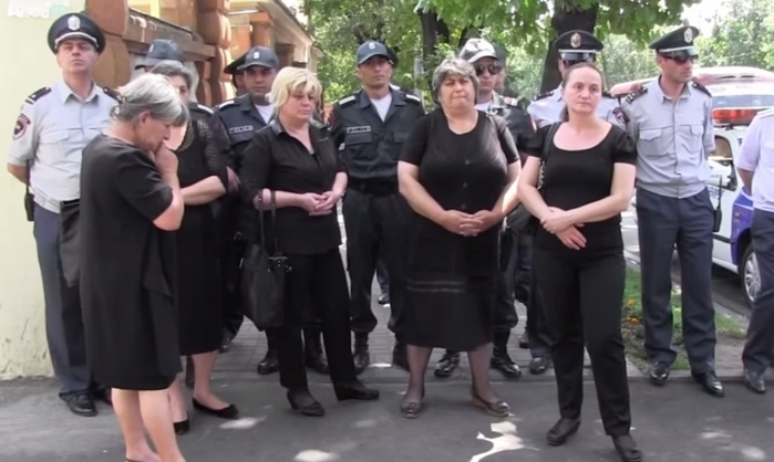 """Ermenistan'ın """"Siyahlı Anneler""""i"""