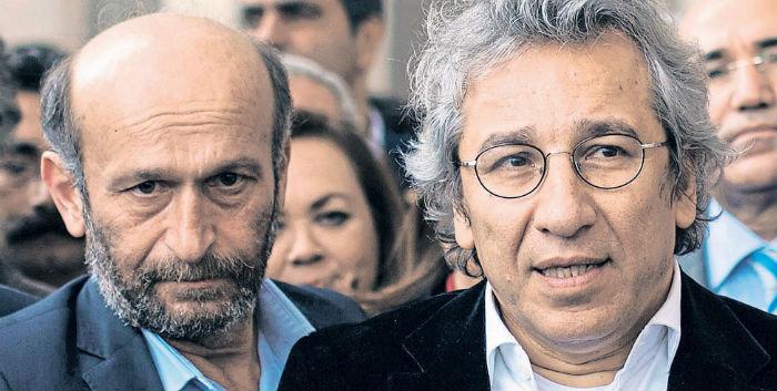 AB'den Gül-Dündar davasına giden diplomatlara destek