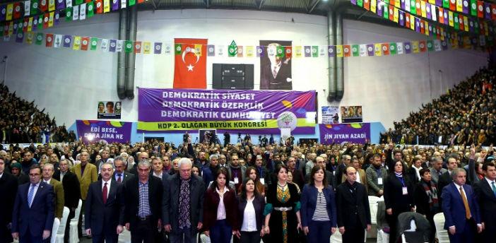 Sekiz HDP'li vekilin daha fezlekeleri Meclis'te