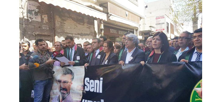 Avukatlar Günü'nde meslektaşları Tahir Elçi'yi andı