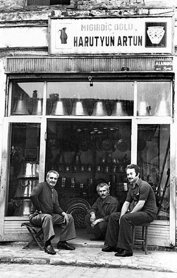 Harut Usta'nın bakırcı dükkânı