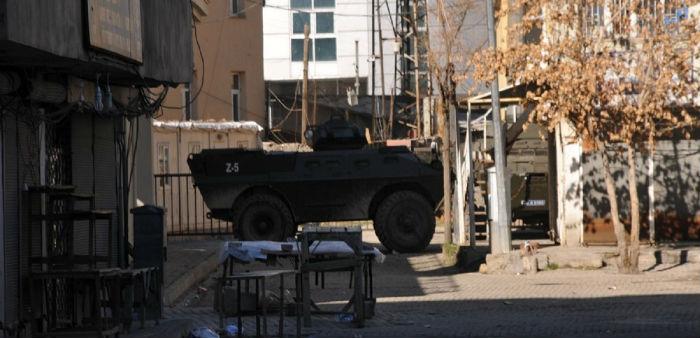Yüksekova'da 5 bin ev yıkıldı, 100 bin kişi göç etti