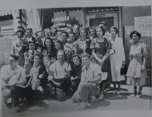 ABD'li Ermenileri ilgilendiren  haberler yapan Asbarez  gazetesi 1908'de kuruldu.  Fotoğraf 1930'a ait.