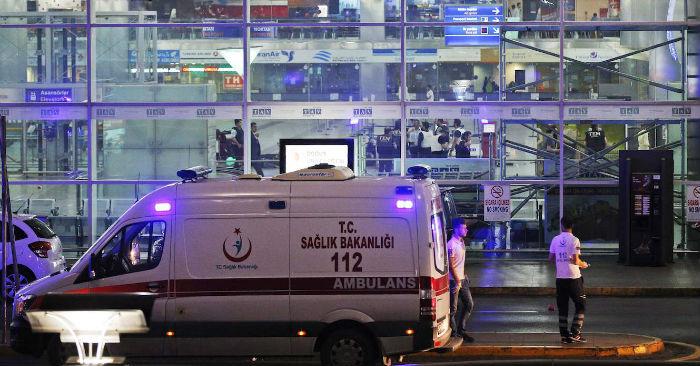 Havaalanı saldırısında ölenler için yas ilan edildi