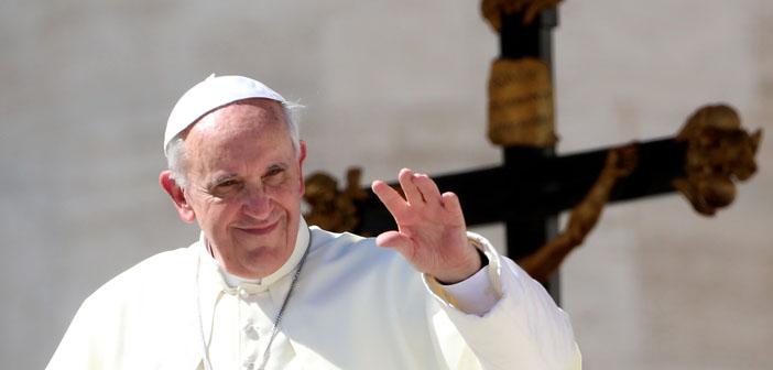 Papa Ermenistan ziyareti için dua istedi