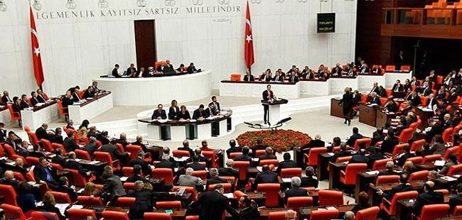 Dört siyasi parti olağanüstü gündemle mecliste