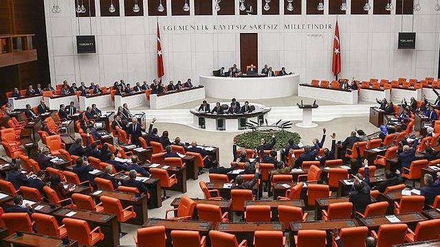 Meclis'te 15 Temmuz darbe girişimi için komisyon kuruluyor