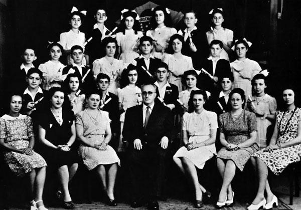 José Bonifacio 1946 yılı mezunları.