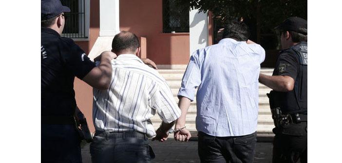 Yunanistan'a kaçan 8 asker bugün hakim karşısında