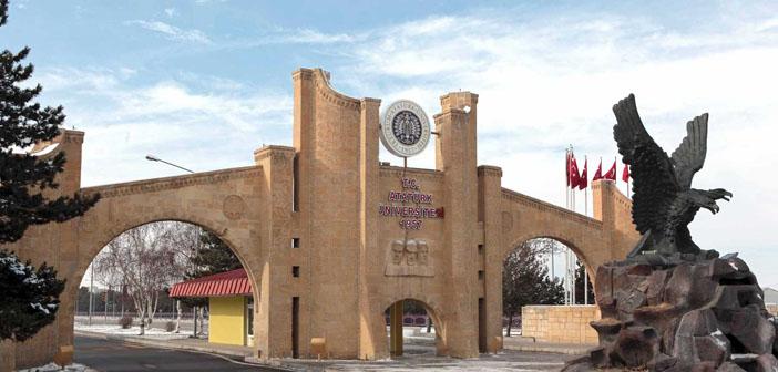 Erzurum'da 10 akademisyen gözaltına alındı