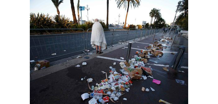 Nice'te ulusal bayram kana bulandı: 84 ölü, 100 yaralı