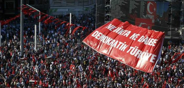 CHP liderinden 10 maddelik Taksim Manifestosu: Ne darbe, ne dikta