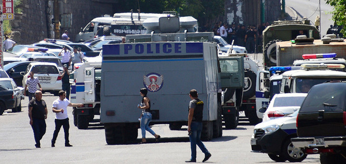 Armed group stormed police station in Yerevan