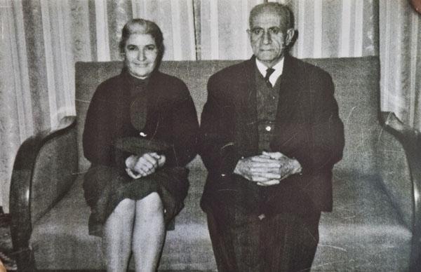Tajirian'ın Harputlu büyükannesi ile Erzurumlu büyükbabası.