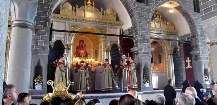 Bakanlık: Sur'da kiliseler kapatılmayacak