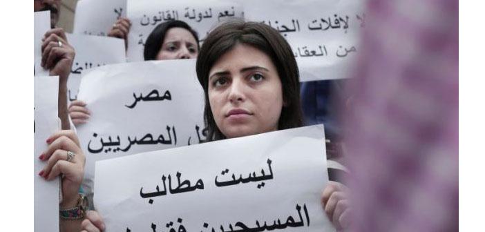 Mısırlı Hristiyanlar eşitlik için sokağa çıktı