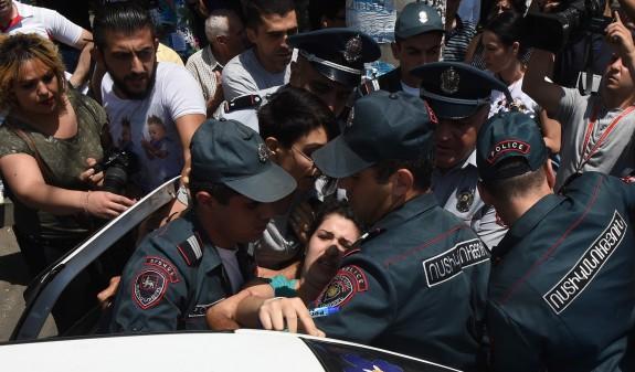 Yerevan'da polis şiddeti cezasız kalıyor