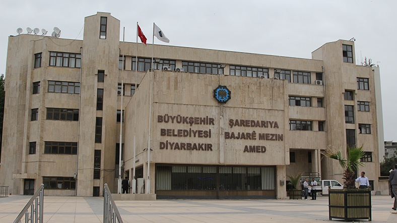 HDP: Çılgınlık aşamasıdır