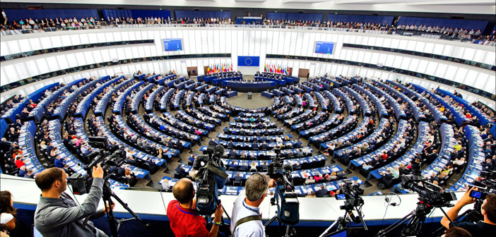 European Parliament votes to suspend the negotiations with Turkey