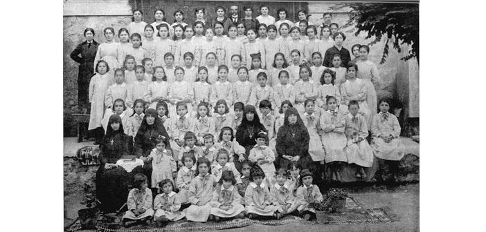 Kalfayan Yetimhanesi'nin ilk yüz yılı:Bir adanmışlık hikâyesi