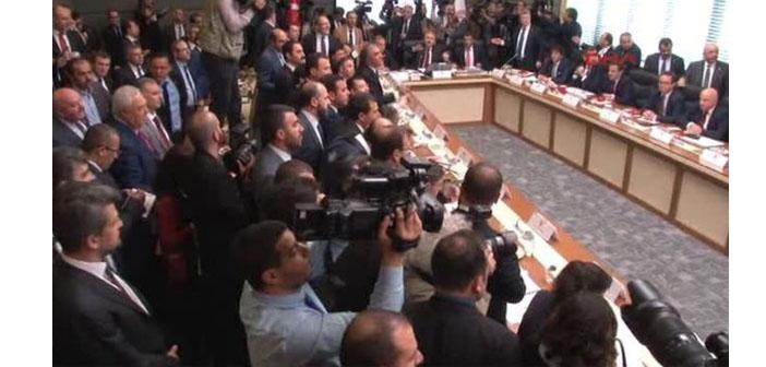 Anayasa teklifi: İlk iki madde komisyondan geçti