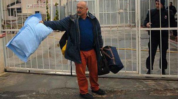 Sevan Nişanyan üç yıldır hapiste