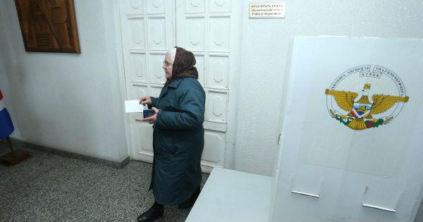 Karabağ'ın adı artık 'Artsakh Cumhuriyeti', yönetim şekli 'tam başkanlık'