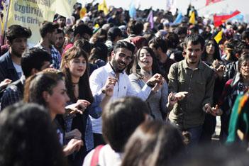 Gündoğdu Meydanı'ndan Newroz manzaraları
