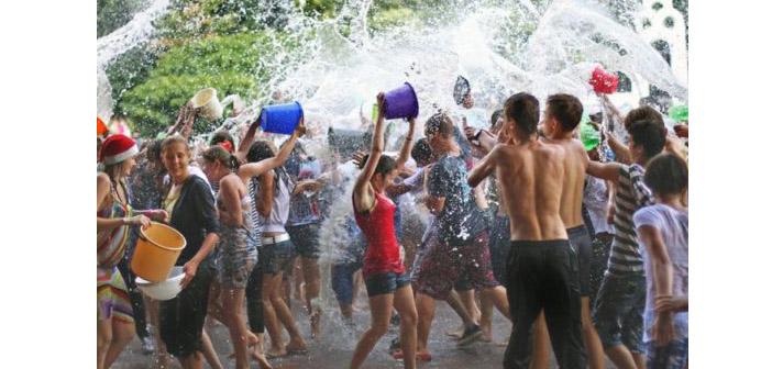 Ermenistan'da festival bereketi