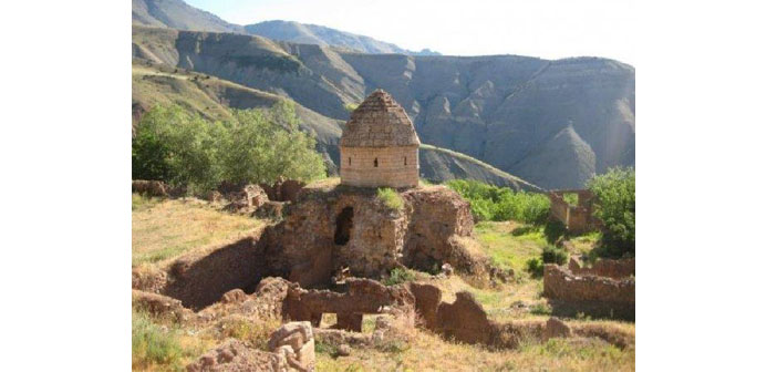 No measure for protecting the monastery from treasure hunters