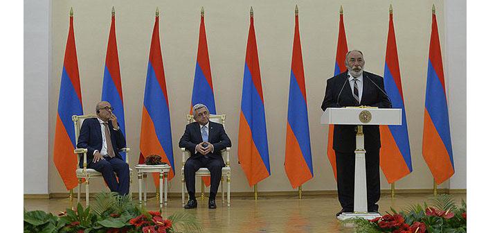 Pakrat Estukyan'a büyük onur
