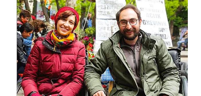 Gülmen ve Özakça İçin Kadıköy'de oturma eylemi