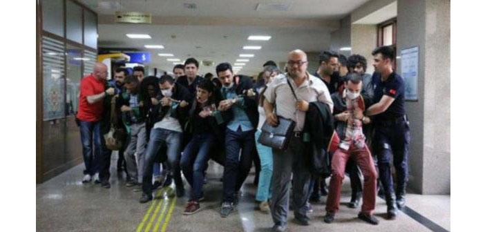 İzmir Adliyesi'ndeki dayanışma eylemine polis saldırdı
