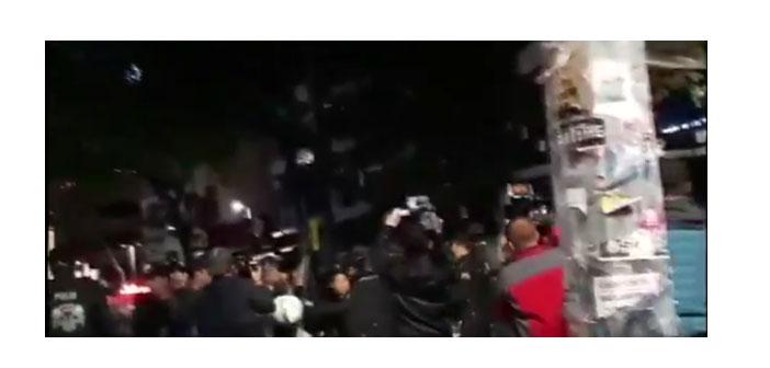 Yüksel Caddesi'ne geceyarısı polis saldırdı, 3 kişi gözaltına alındı