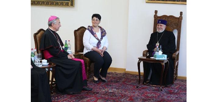 Vatikan Arşiv Müdürü'nden Ermenistan'a ziyaret