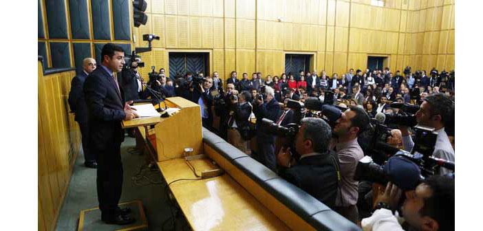 Demirtaş'tan grup toplantılarına SEGBİS'le katılma talebi