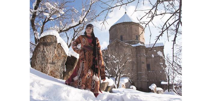 Van'ın asırlık Ermeni kıyafetleri sergide toplanıyor