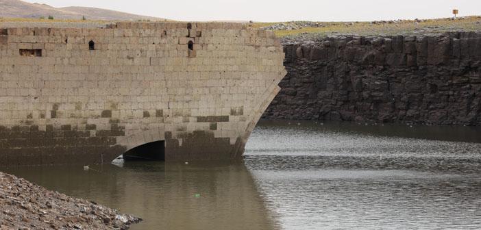 Nerkin Çrap köprüsü ortaya çıktı