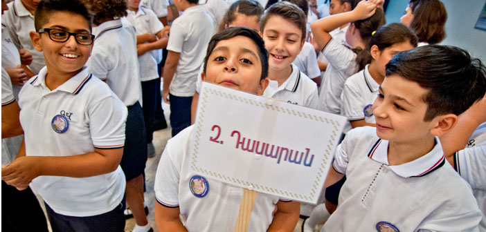 Okullar yeni öğretim yılına yine 'az' başladı