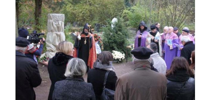 Köln'deki Ermeni Soykırımı anıtı açıldı