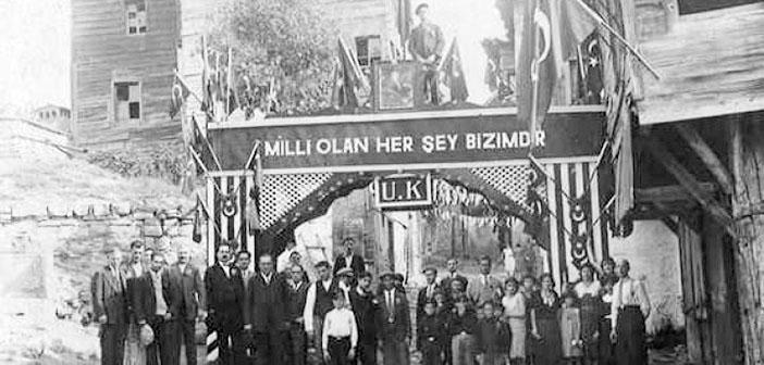 1934 yazında İzmir: 'Vatandaş Türkçe konuş'