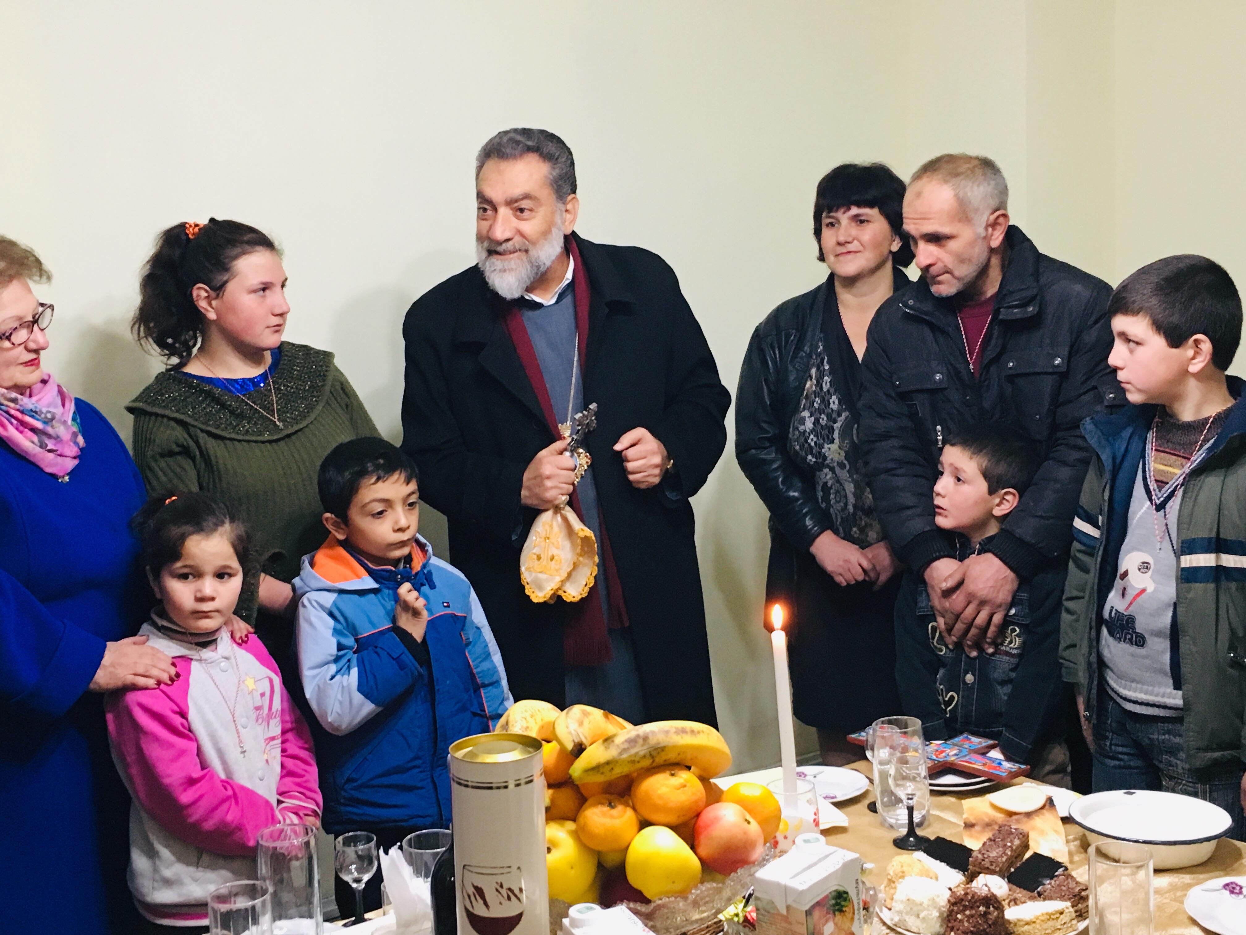 Գուգարաց թեմի «Ձեռք մեկնիր եղբօրդ» բարեգործական ծրագրով յանձնուեցաւ 24-րդ բնակարանը