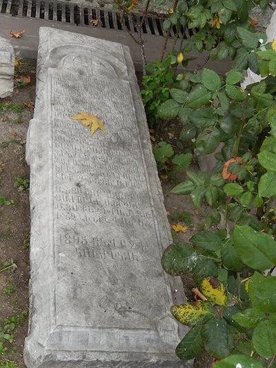 Müzede Ermenilerden kalma bir mezar taşı