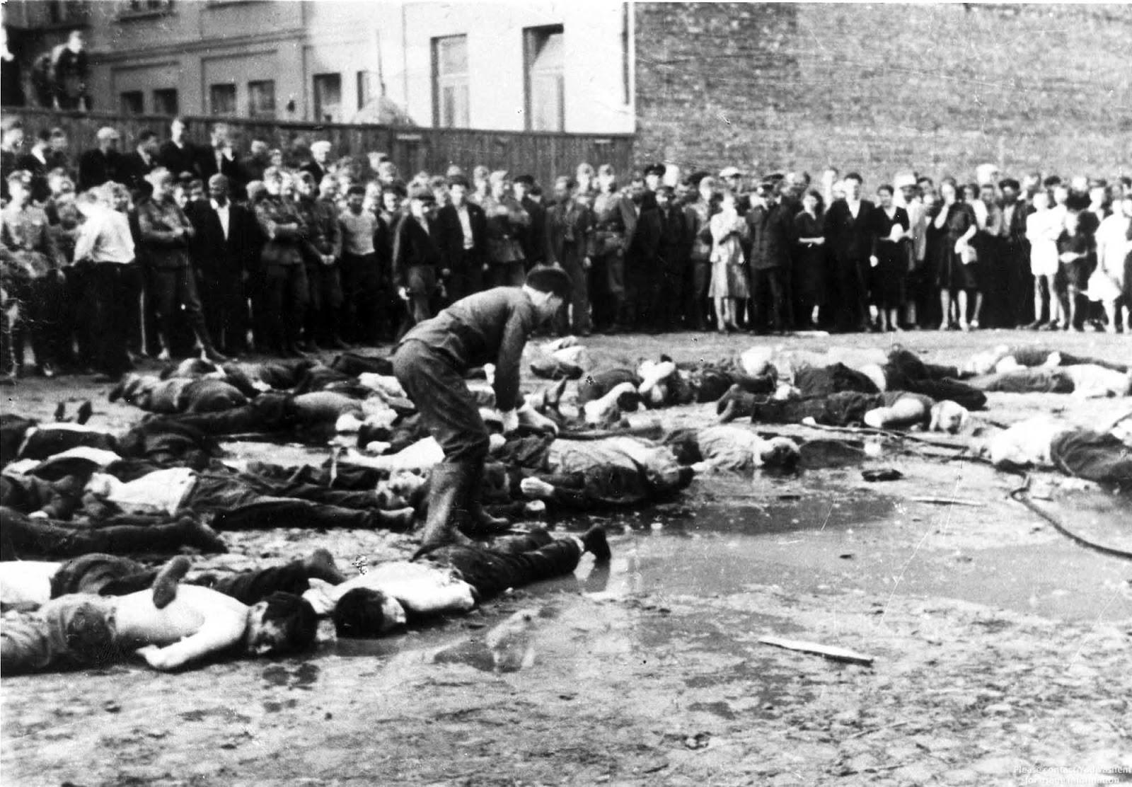 Litvanya Garaj Katliamı'na dair bir foto, 1941